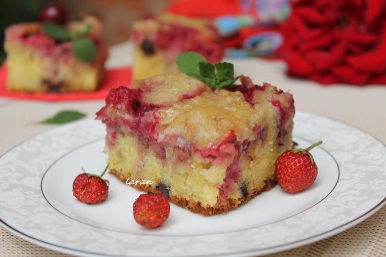 Багатий ягідний пиріг