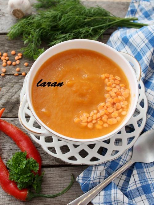Сочевичний суп-пюре з баклажаном.