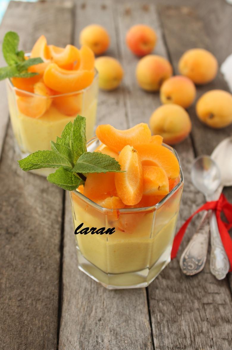 Паннакота абрикосовая
