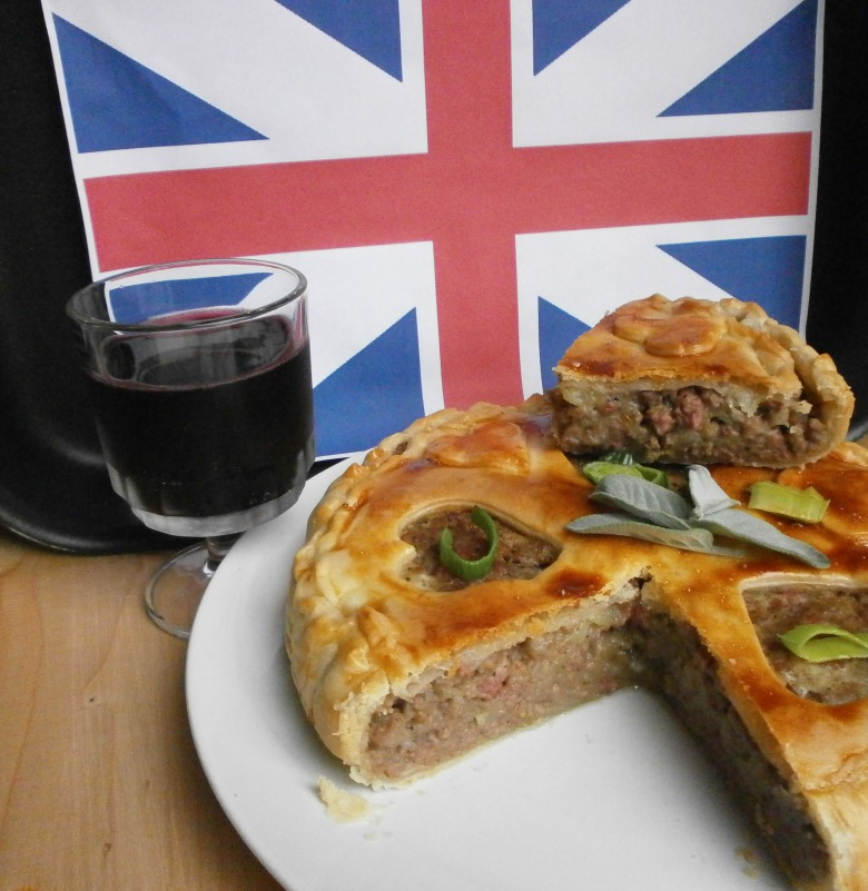 """Мясной пирог по старому английском рецепта (""""Pork pie"""")"""