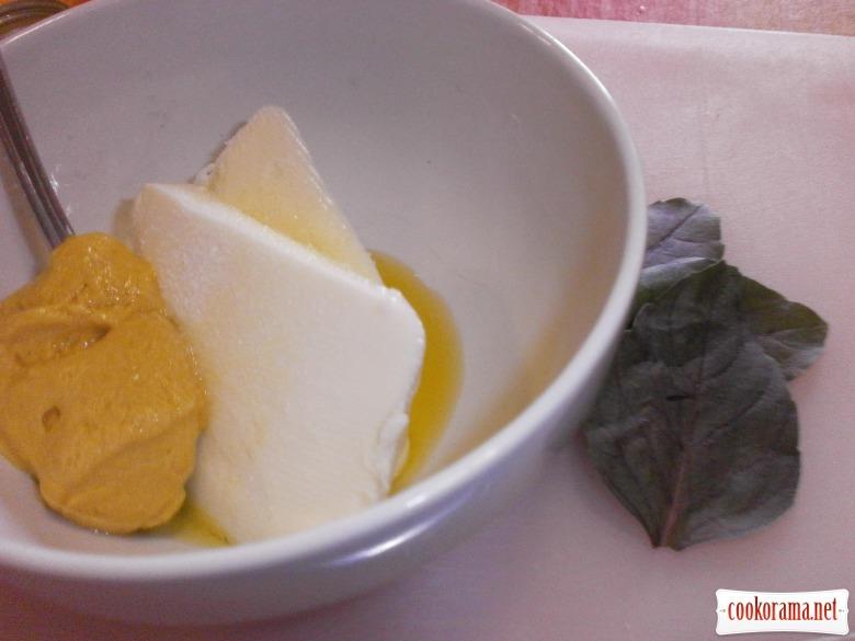 Корейка з кісточкою, запечена на грилі, здобрена ароматизованим вершковим маслом.