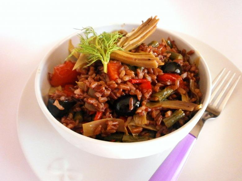 Червоний рис з овочами