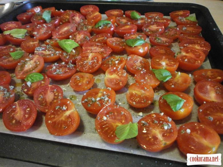 Томати конфіт (ароматизовані, запечені в духовці) та салат з томатами