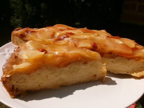 """Яблучно - сирний  торт """" Чарівливе яблуко"""""""