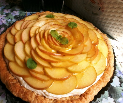 Яблучний пиріг з миндалевим кремом ( рецепт - спрінт)