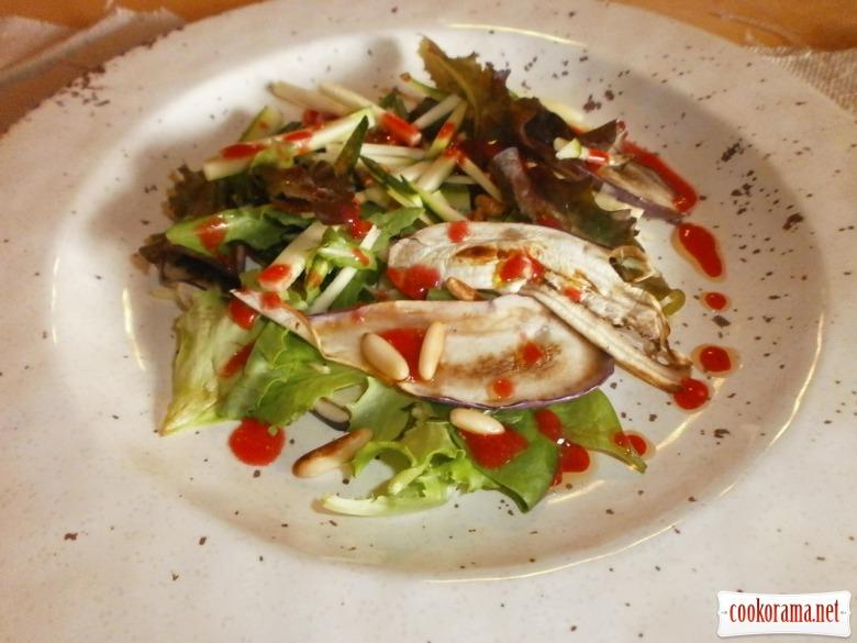 приготувати салат, заправити