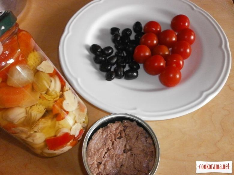 консервовані овочі, тунець