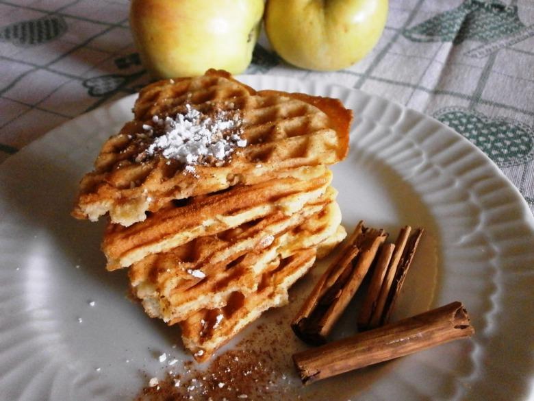 Яблучні карамельні вафлі
