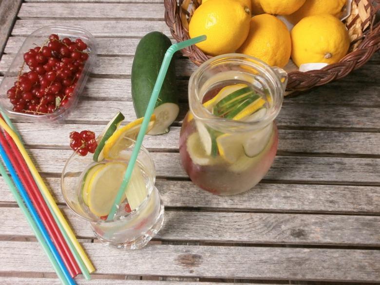 Ароматизована вода в літню спеку