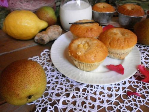 Імбирно - ананасово - грушові мафіни з кремом і молочною пропиткою