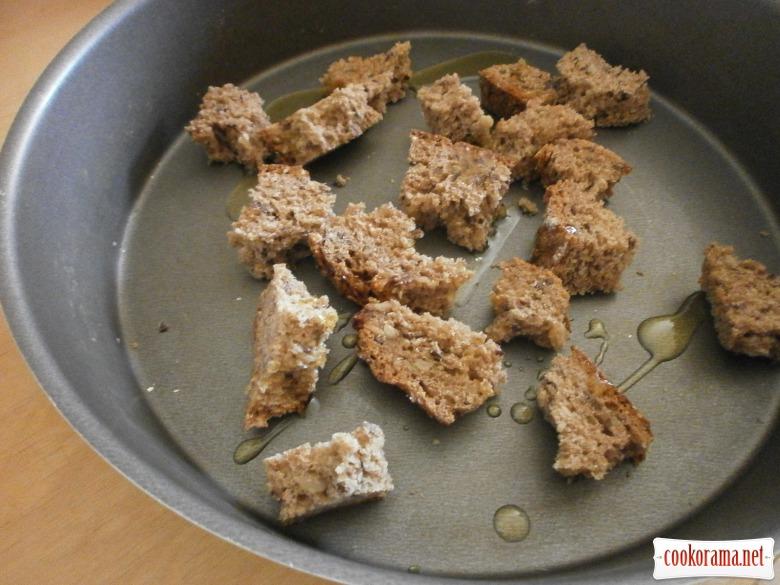 шматочки житнього хліба запекти у духовці