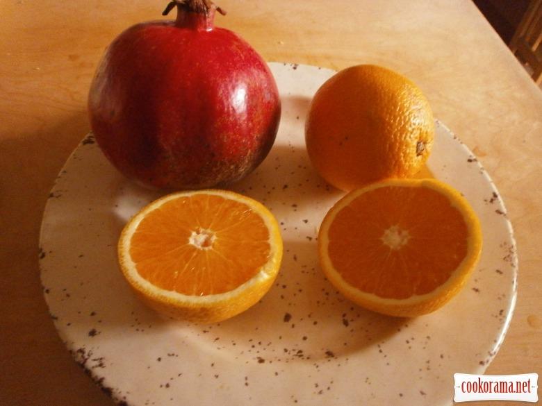 Вітамінний напій з гранату і апельсина  для осіннього настрою