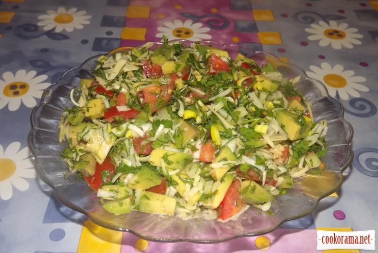 Салат с авокадо и пармезаном «Авомезан»