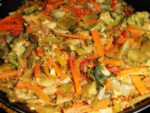 Овощное рагу с брокколи и фасолью лоби