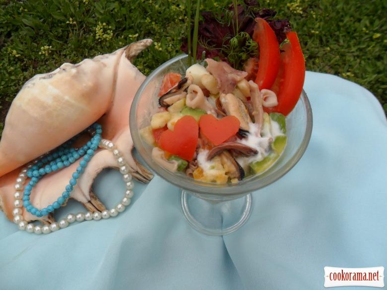 Салат из морского коктейля к романтическому ужину