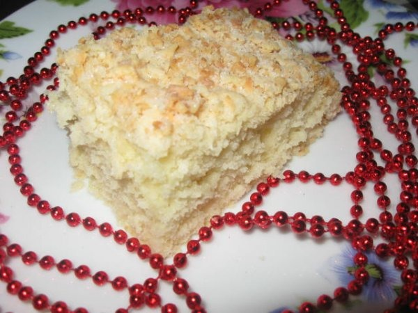 Простий пиріг із кокосовим штрейзелем