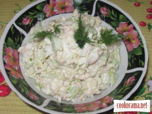 Салат з пекінської капусти та тунцем