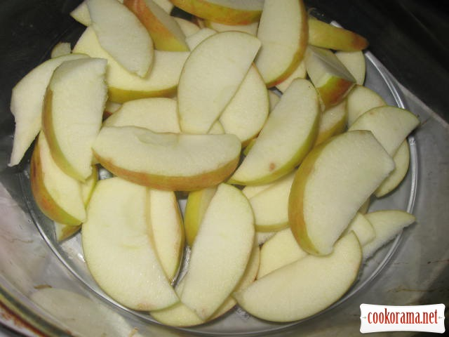 Ніжки качки із яблуками