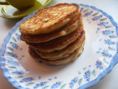 Fritters with apples