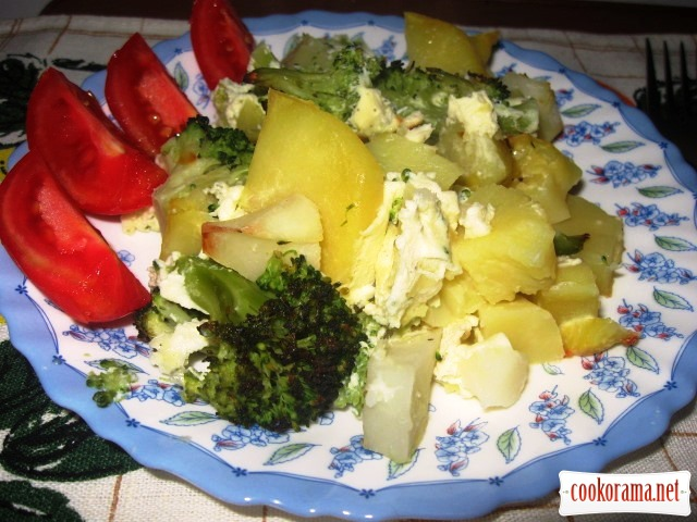 Картопля запечена із броколі