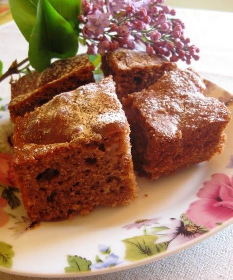 Шоколадно-яблучний пиріг