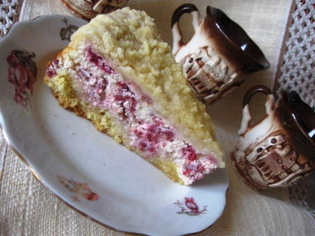 Сирний пиріг з малиною і штрейзелем