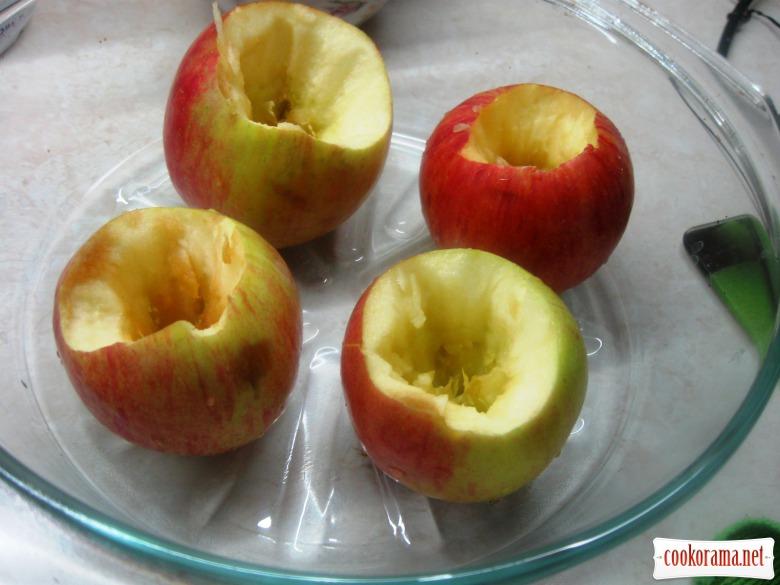 Яблука печені у духовці