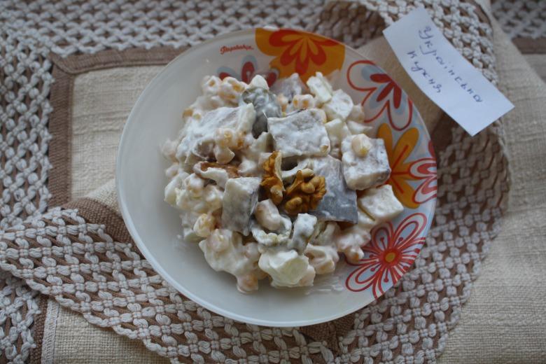 Салат из кукурузы и сельди