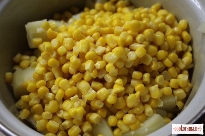 Салат из сельди и кукурузы