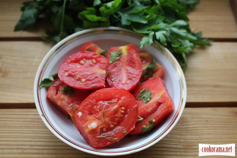 Маринованные помидоры (быстрый вариант) с корицей