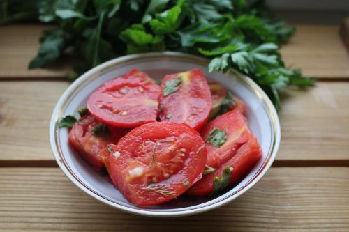 Мариновані помідори (швидкий варіант) з корицею