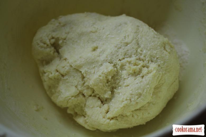 Конвертики мясні з сирного тіста