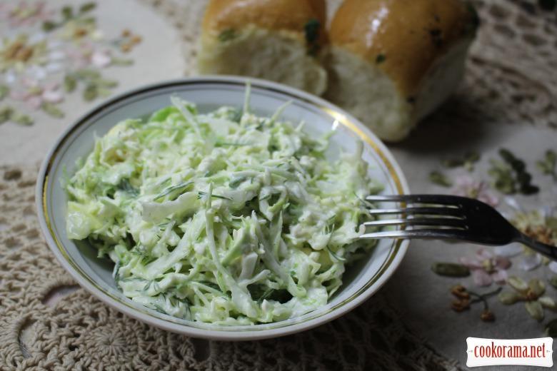 Нежный салат из капусты и плавленых сырков
