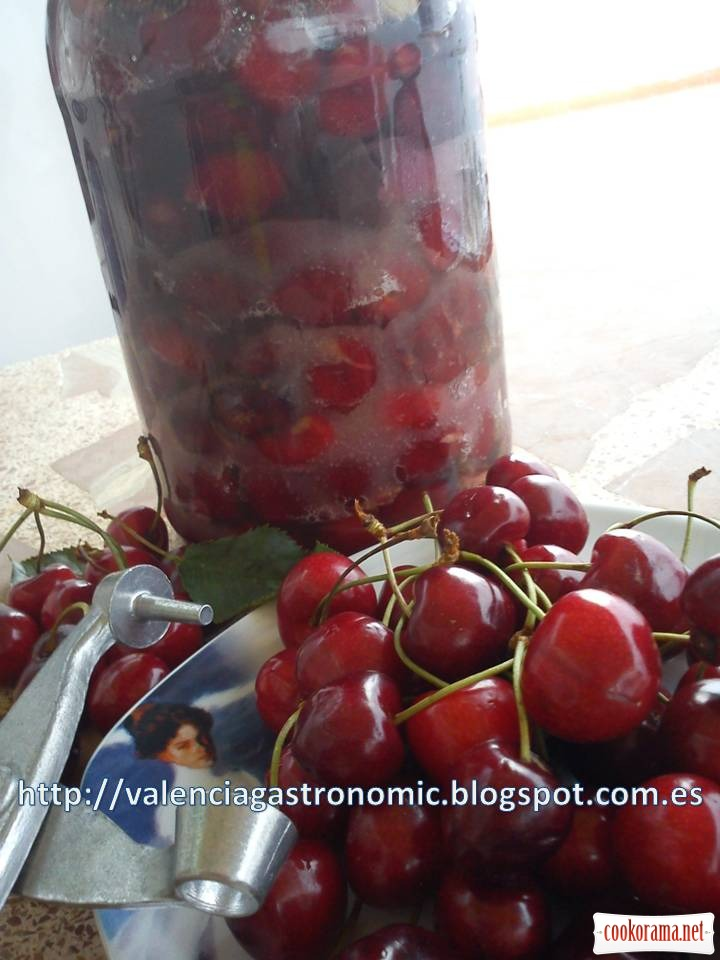 Make your own wine with cherries