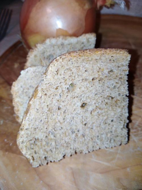 Цибулевий хліб із висівками