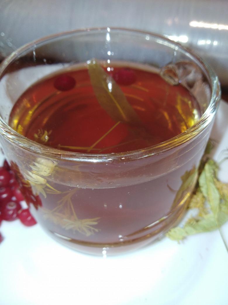 Чай липово-малиново-калиновий з медом