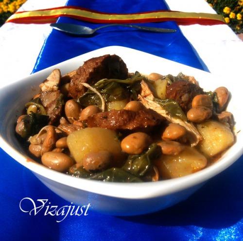 Тушкована квасоля з овочами та чорізо