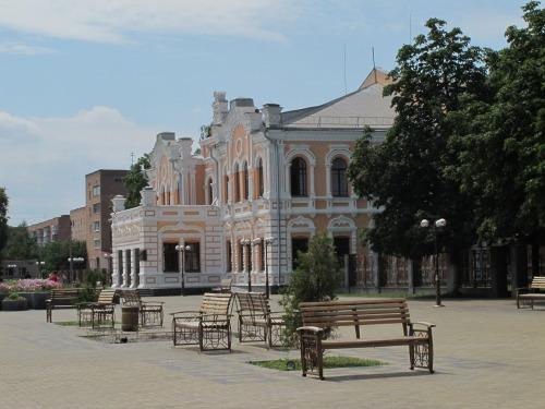 Театральна площа в місті Прилуки