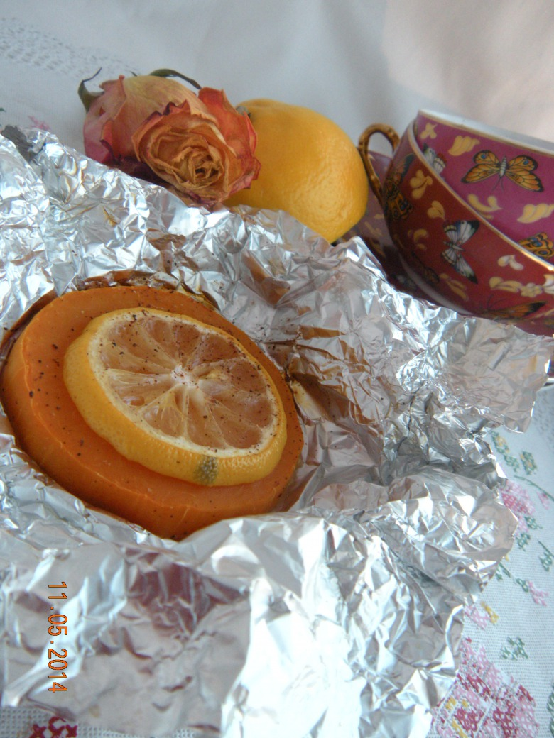 Pumpkin baked with lemon