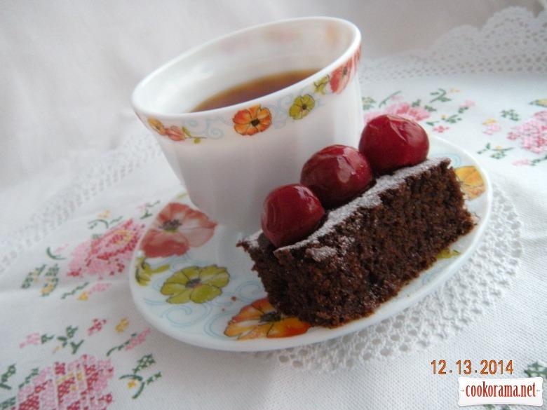 Шоколадний манник на вишневому компоті