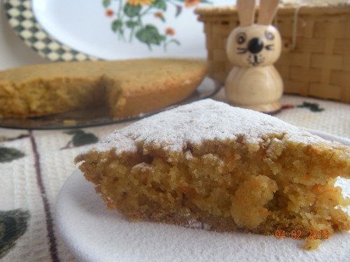 Fast manna cake with carrots and oat flour