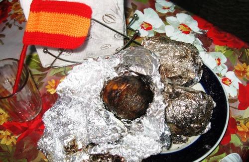 Запеченная картошка на углях по-испански
