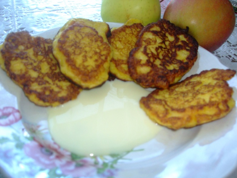 Сирно-яблучні блінчики