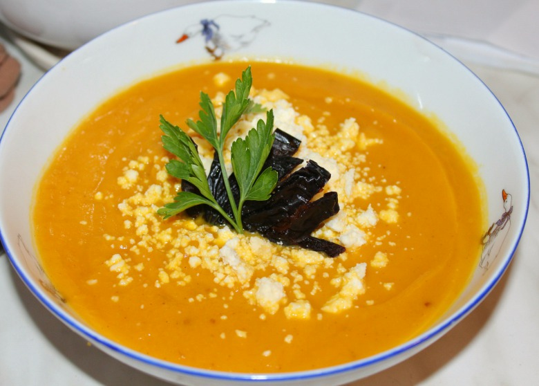 Spicy pumpkin soup-puree