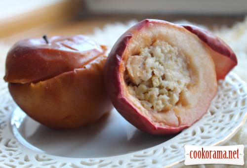 Запечені яблука з кашею або простий сніданок вихідного дня:)