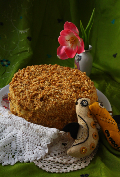 Delicate honey cake with Charlotte cream
