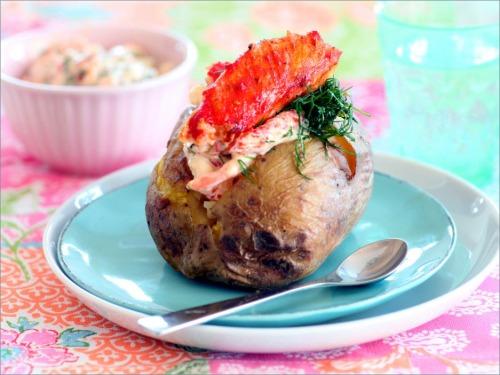 Печеный картофель с морепродуктами