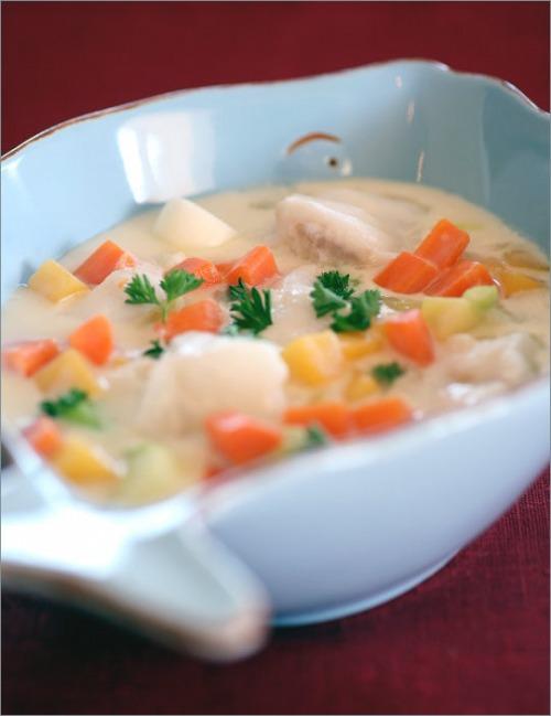 Тушенный хек с овощами