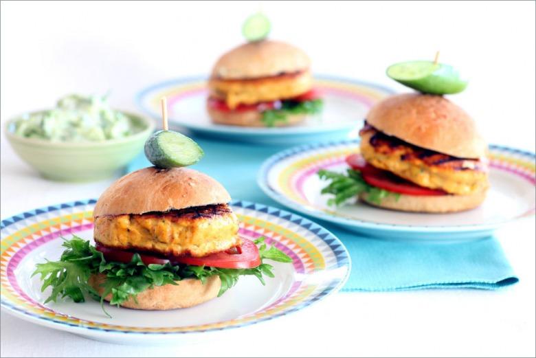 Мини-бургеры с лососем