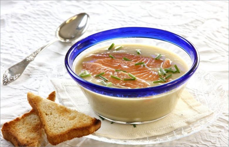 Суп с артишоками и лососем
